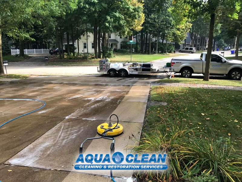Fox Valley WI Driveway Pressure Washing